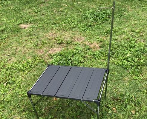 SoomLoom 折りたたみ式アルミテーブルはランタンポール付き