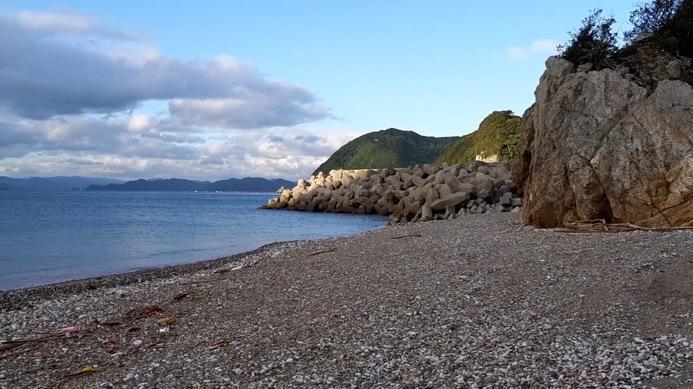大分県佐伯市上浦にある小田の浜海水浴場、キャンプ場の浜辺