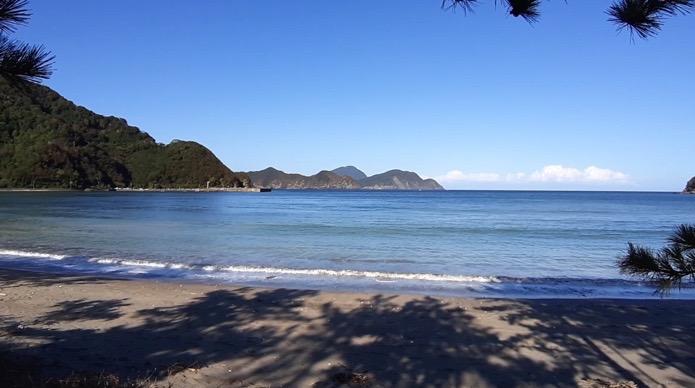 大分県無料キャンプ場の波当津海水浴場のサイトからの眺め