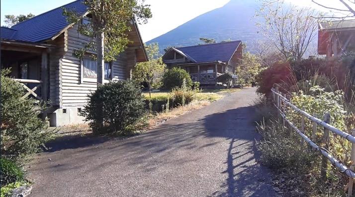 かいもん山麓ふれあい公園キャンプ場のログハウス